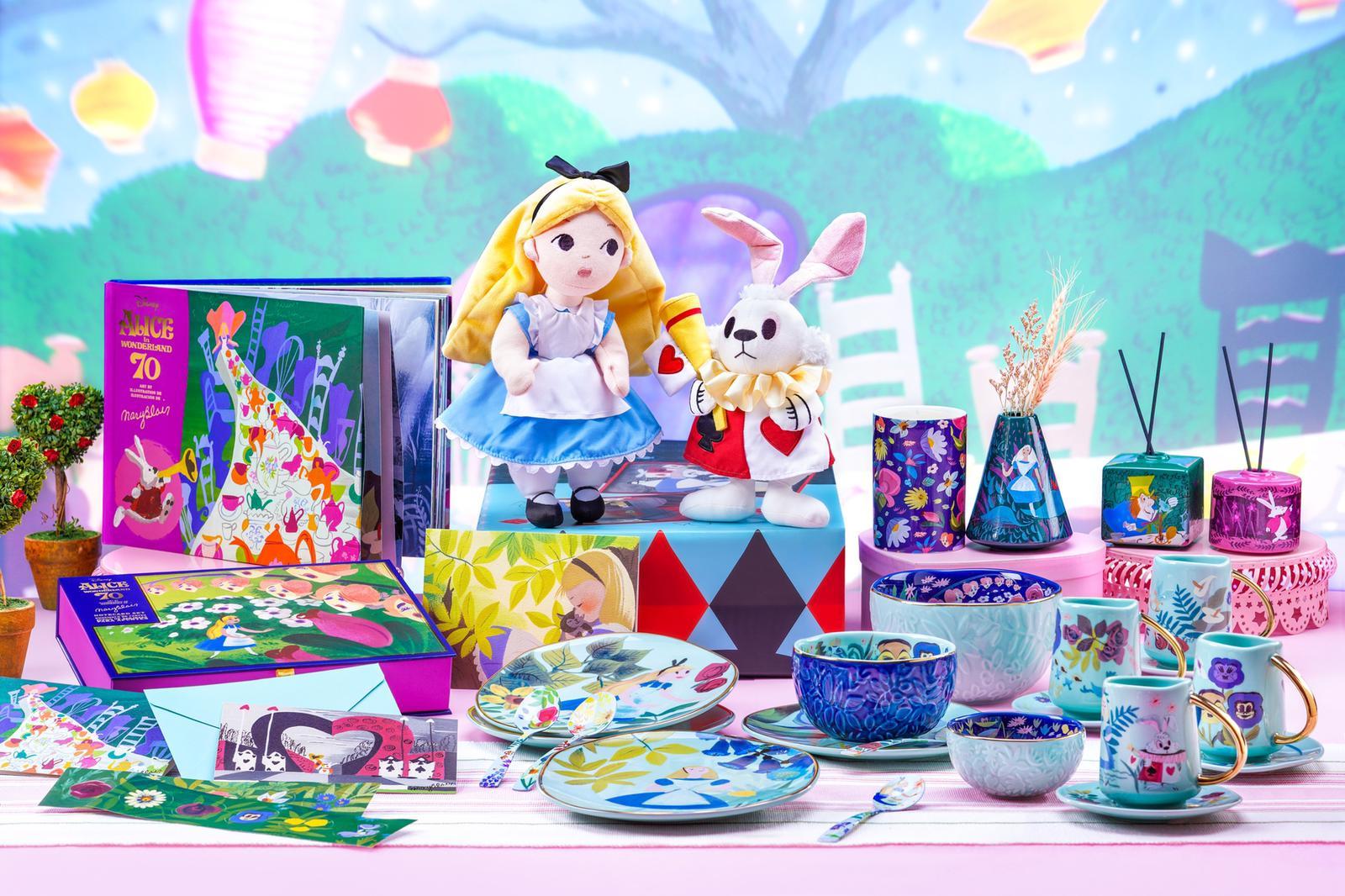 重溫奇妙夢境世界 迪士尼推《愛麗絲夢遊仙境》70周年紀念商品