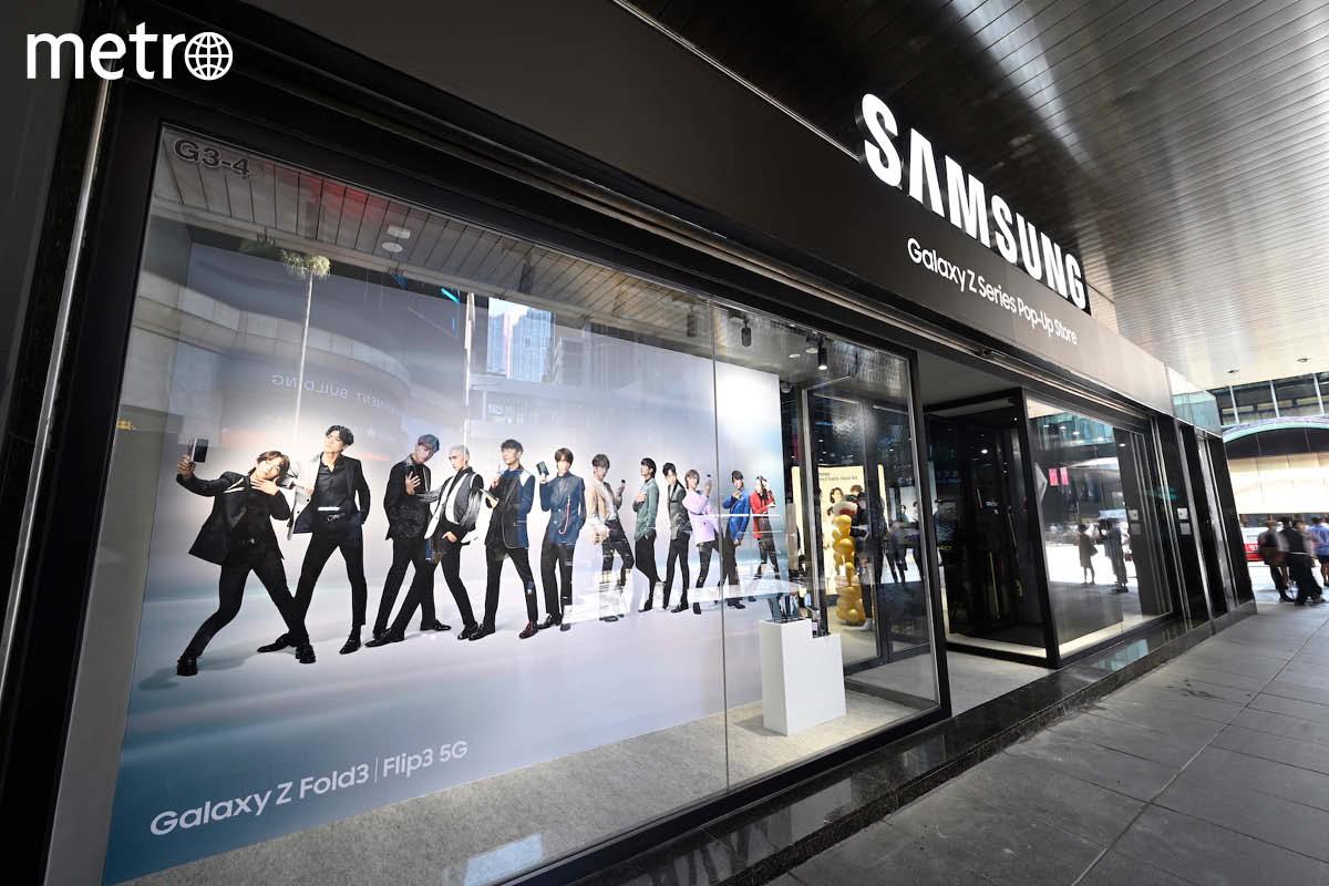 【中環】Samsung全新摺疊屏幕手機限定店 多個打卡位+自製 MIRROR 同框貼紙