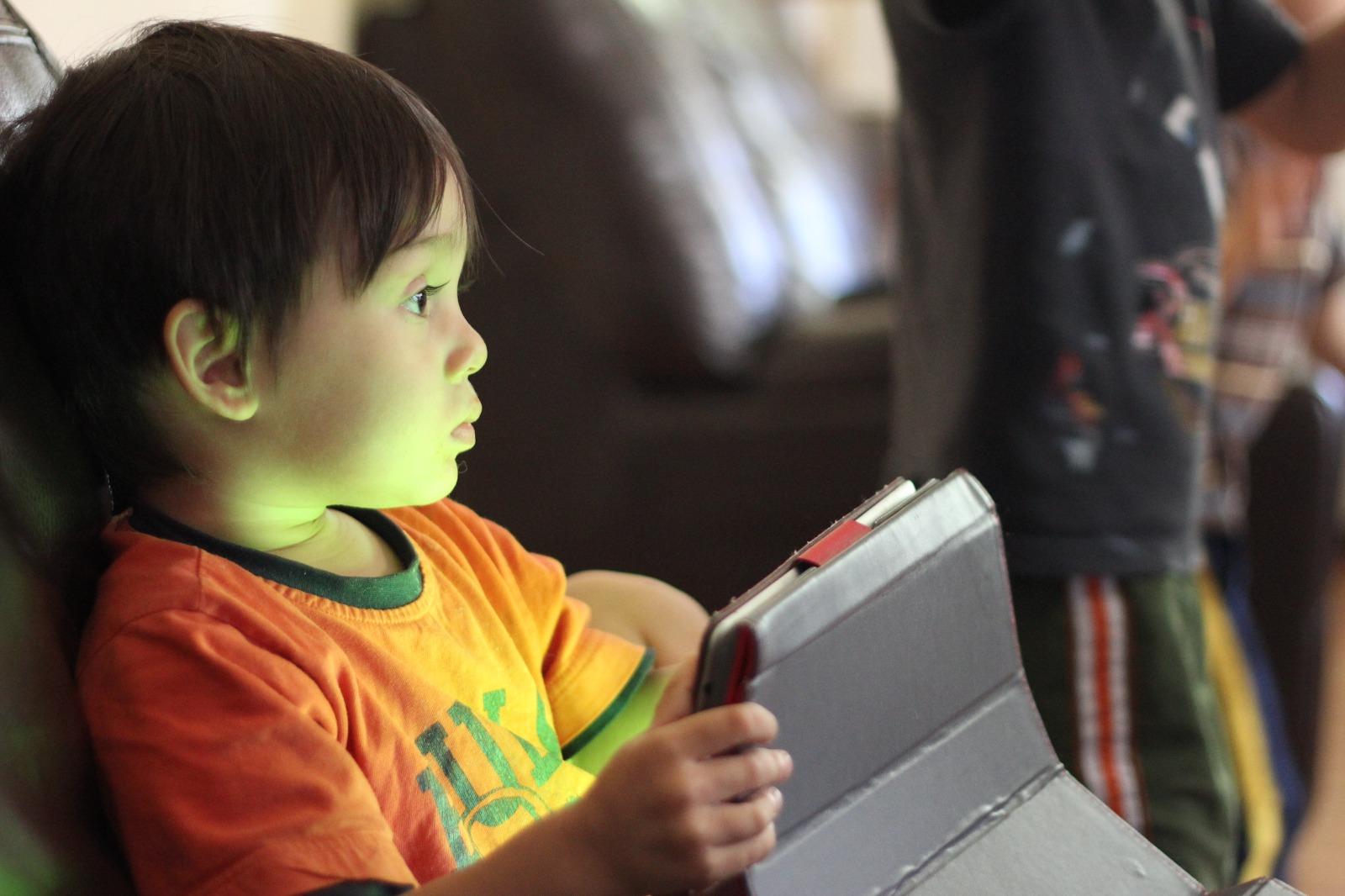 4招控制兒童近視加深